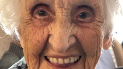 Augusta viert 105de verjaardag met haar kroost