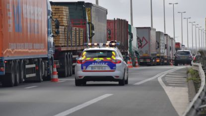 Oprit E40 in Adinkerke richting Frankrijk tijdelijk afgesloten