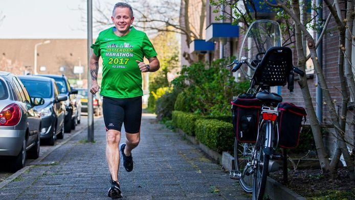 Gertjan Kneppers is na zijn maagverkleining 65 kilo lichter en klaar voor de marathon.