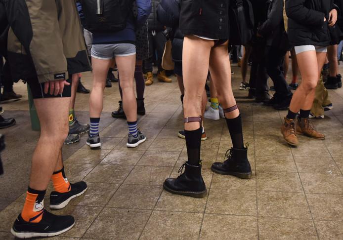 Zonder broek prima, maar de sokken moeten wel op hun plek blijven.
