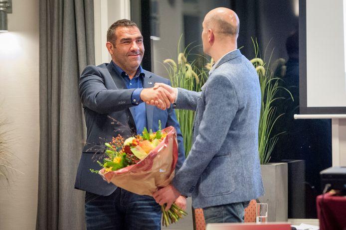 Raimond Smit (links), fractievoorzitter van CDA Aalten-Dinxperlo.