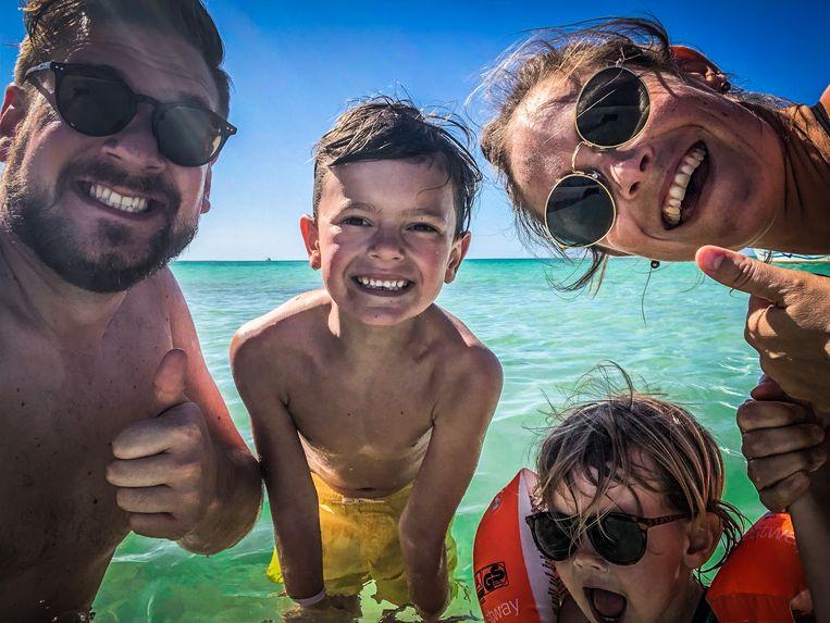 Ludovic (34), Bas (8), Elodie (3) en Katrien (32) trekken er 10 keer per jaar opuit. Nog nooit annuleerden ze een trip.