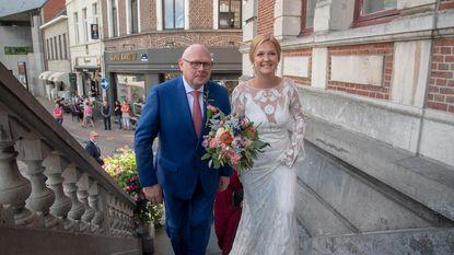 Dochter burgemeester Pardaen stapt in huwelijksbootje