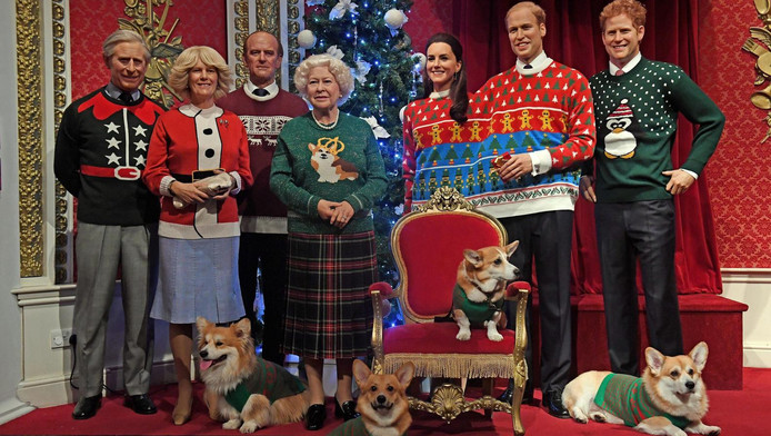 Kersttrui Familie.Britse Royals Dragen Foute Kersttruien In Madame Tussauds Show Ad Nl