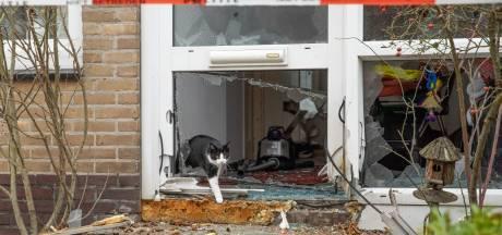Gerichte actie? Pui uit Baarnse woning geblazen, politie gaat uit van vuurwerkbom