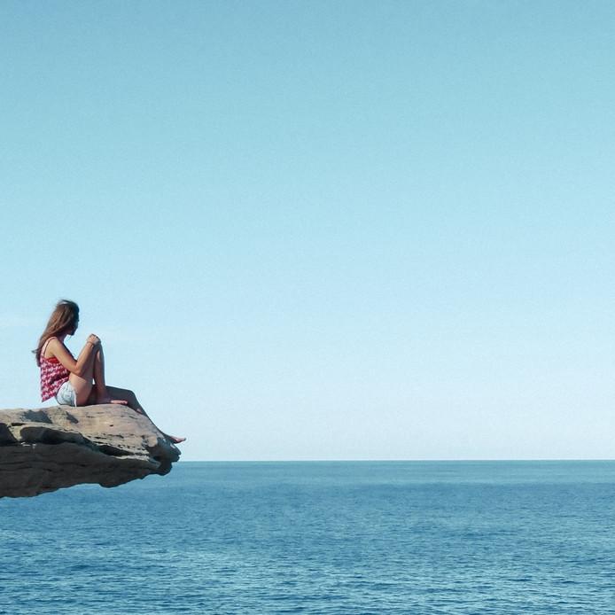 Weekwinnaar (7): Wat een uitzicht, wat een plek! Daar word je toch helemaal zen van? Dat gevoel had Tess van Staten uit Krimpen aan den IJssel ook. Ze maakte deze foto op  Bondi Beach in Sydney, aan het begin van haar reis door Australië. ,,Vrijheid, wat een heerlijk gevoel'', schrijft ze. Dat snappen we helemaal. Foto Tess van Staten.