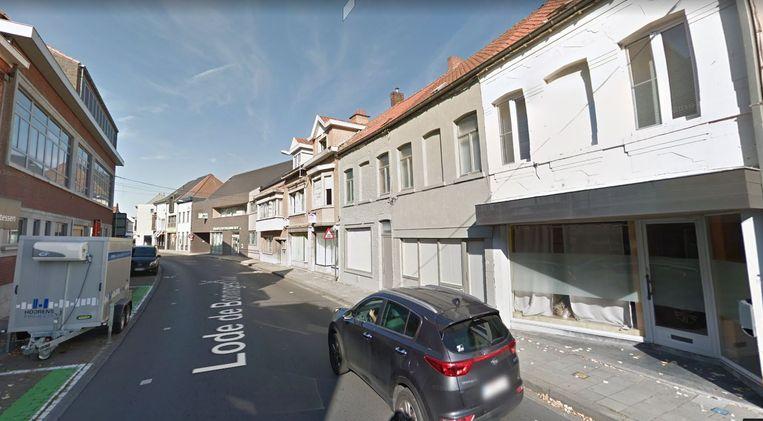 Het huis, dat kan dienen voor de ontwikkeling van de basisschool, zie je uiterst rechts