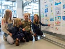 Expositie in Eindhovense bieb met kindertekeningen: 'Yes, mijn tekening komt in het boek'