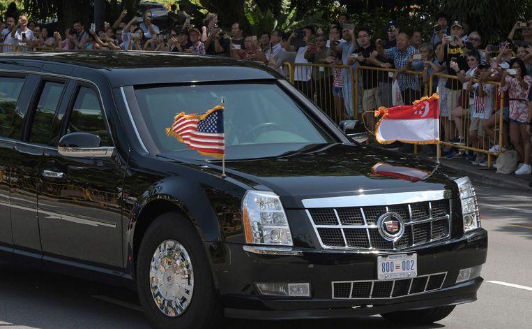 De limosine van Donald Trump bij aankomst in Singapore.