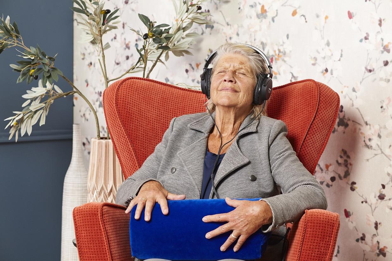 De KozieMe, een knuffelkussen waarmee dementerende ouderen geluidsfragmenten kunnen afspelen. Beeld KozieMe