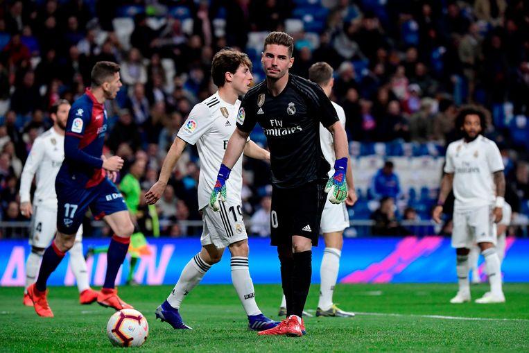 Luca Zidane moest zich al na twee minuten omdraaien tegen Huesca.