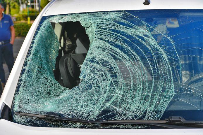 Fietser zwaargewond bij ongeluk met auto in Luyksgestel.