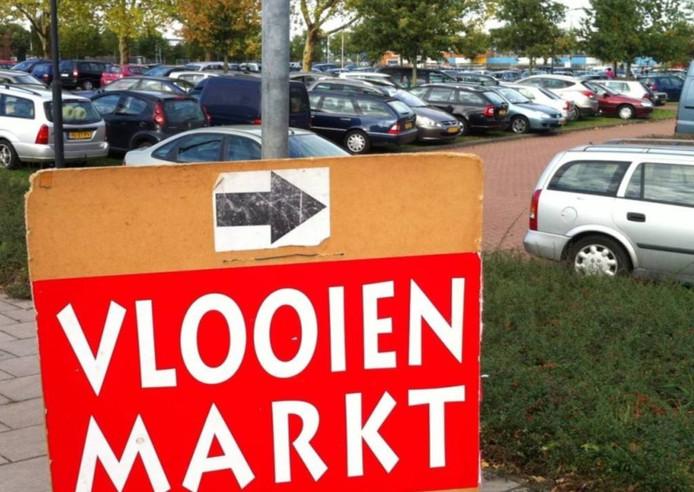 Vlooienmarkt in De Rusheuvel in Oss.