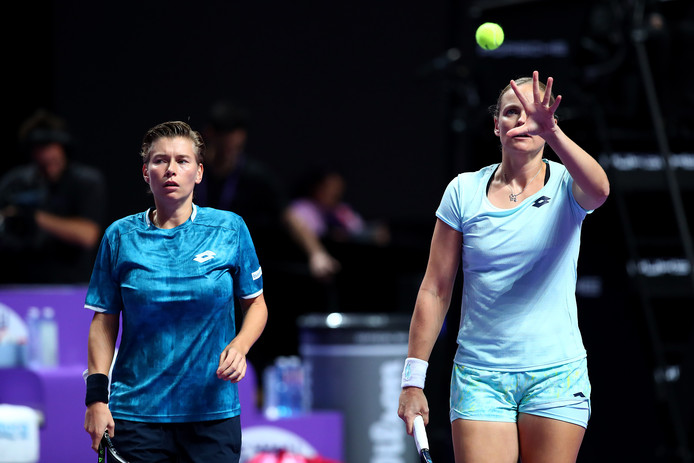 Demi Schuurs (links) en Anna-Lena Groenefeld.