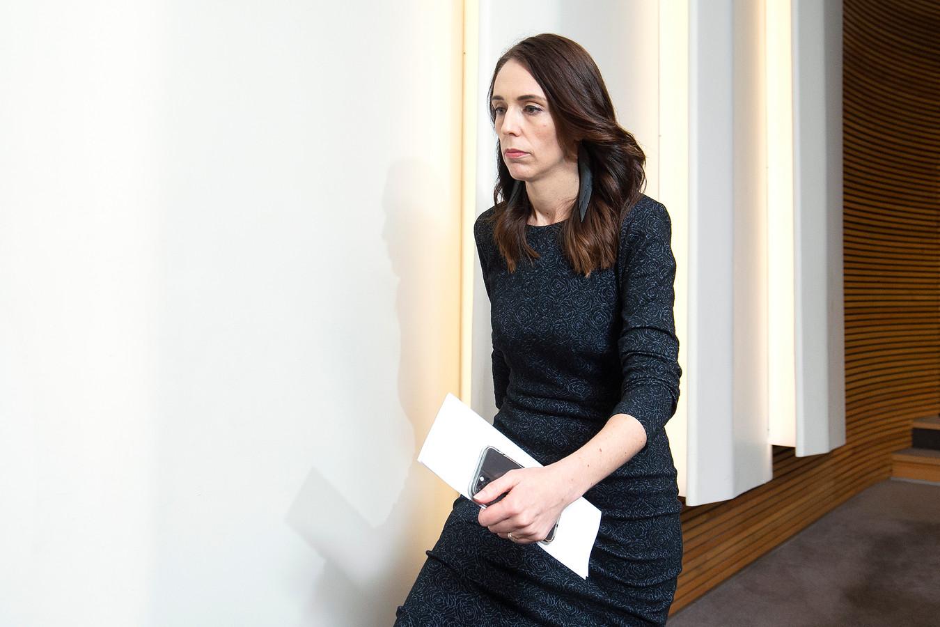 Immigratieminister Nieuw-Zeeland Ontslagen Na Relatie Met