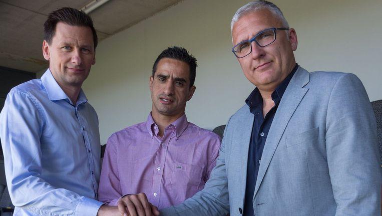 Eric Van Meir met hoofdcoach Younes Zerdouk (midden) en hoofd scouting Nico Van Kerckhoven (links).