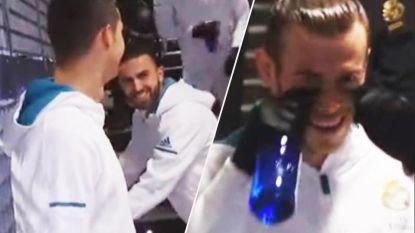 Dollende Ronaldo had niet zo'n fraaie opmerking over Messi in petto (en dat ontsnapte niet aan het oog van de camera)