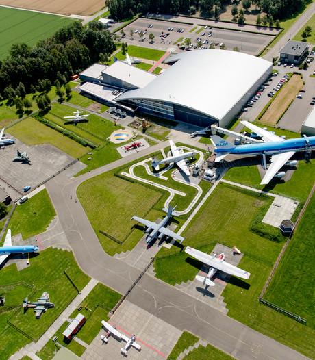 Dijksma: prijsvechters naar Airport Lelystad dwingen
