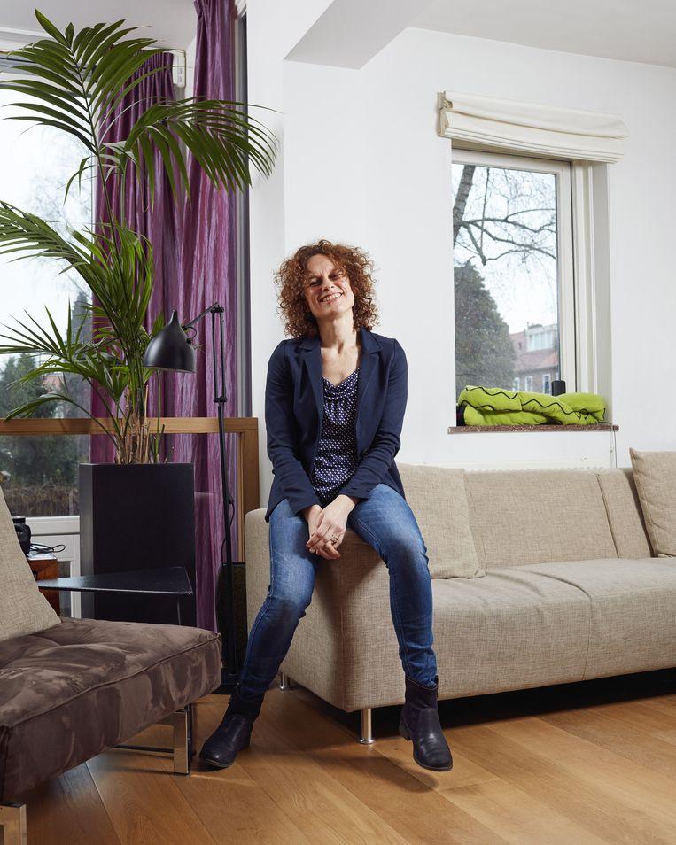 Mathilde op de bank in 2015 Beeld Erik Smits