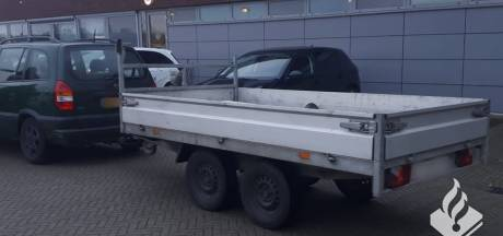 Kapot achterlicht leidt naar gestolen aanhangwagen in Waalwijk