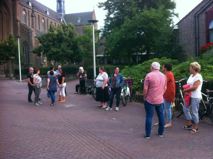 De informatiebijeenkomst trok maandagavond vooral buurtbewoners.