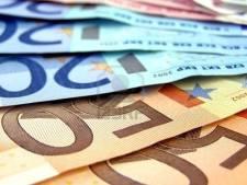 Man (35) met meerdere telefoons, drugs en 1700 euro cash op zak aangehouden in Breda