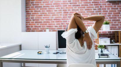 Meer rugpijn door thuiswerk: 6 oefeningen tegen stramme spieren die je kan doen vanuit je stoel