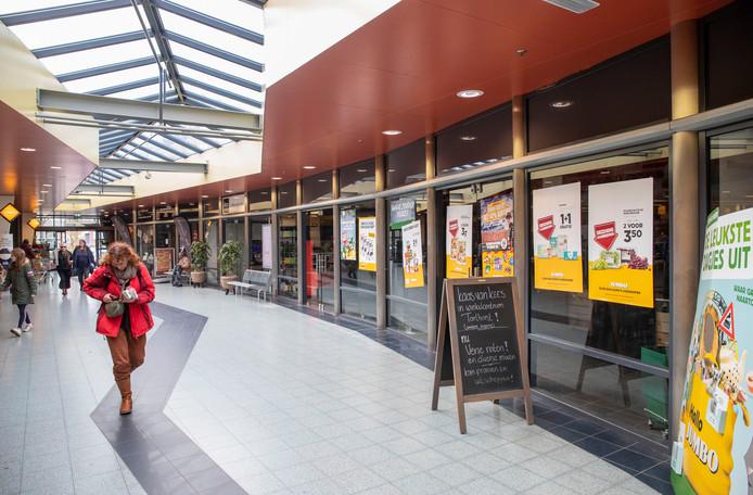 Het voormalig pand van groentenhal de Goudreinet in winkelcentrum de Tarthorst.
