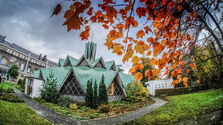 De opvallende Verrijzeniskapel wordt een nieuwe parochiekerk.