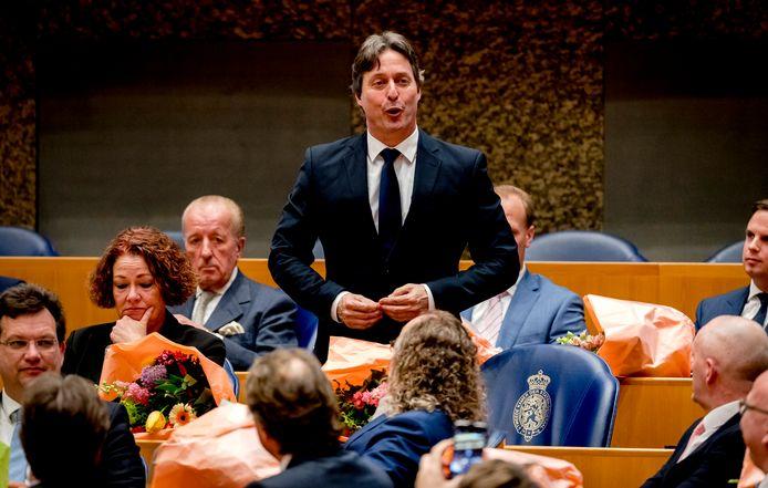 Edgar Mulder (PVV) legt de eed af tijdens de installatie van de nieuwe Kamerleden na de Tweede Kamerverkiezingen in maart van dit jaar.