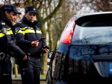 Vrouw uit Someren rijdt 77 kilometer te hard, politie vordert rijbewijs in