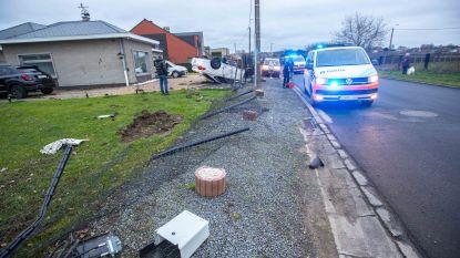 Auto gaat over de kop op Nieuwe Kaai, bestuurder lichtgewond