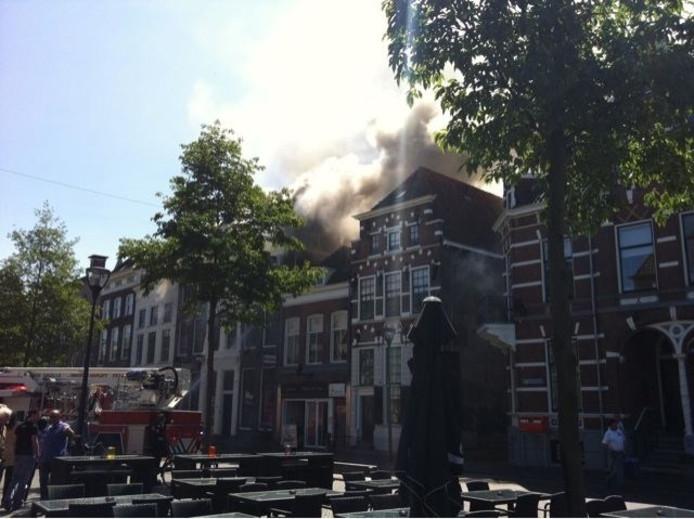 Brand in Humphrey's in Zwolle, aan de Melkmarkt. Foto: Stefan Kapell.