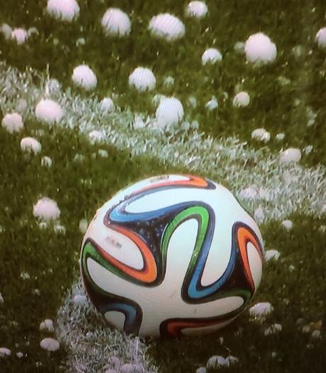 Hoosbuien en hagel voorspeld tijdens FC Twente - Everton