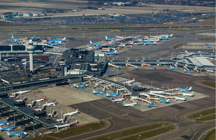 Schiphol loopt op dit moment bijna tegen het maximaal aantal toegestane vluchten aan.