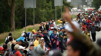Latijns-Amerikaanse migranten hervatten tocht richting Verenigde Staten: al meer dan 1.500 kilometer afgelegd om armoede en geweld te ontvluchten