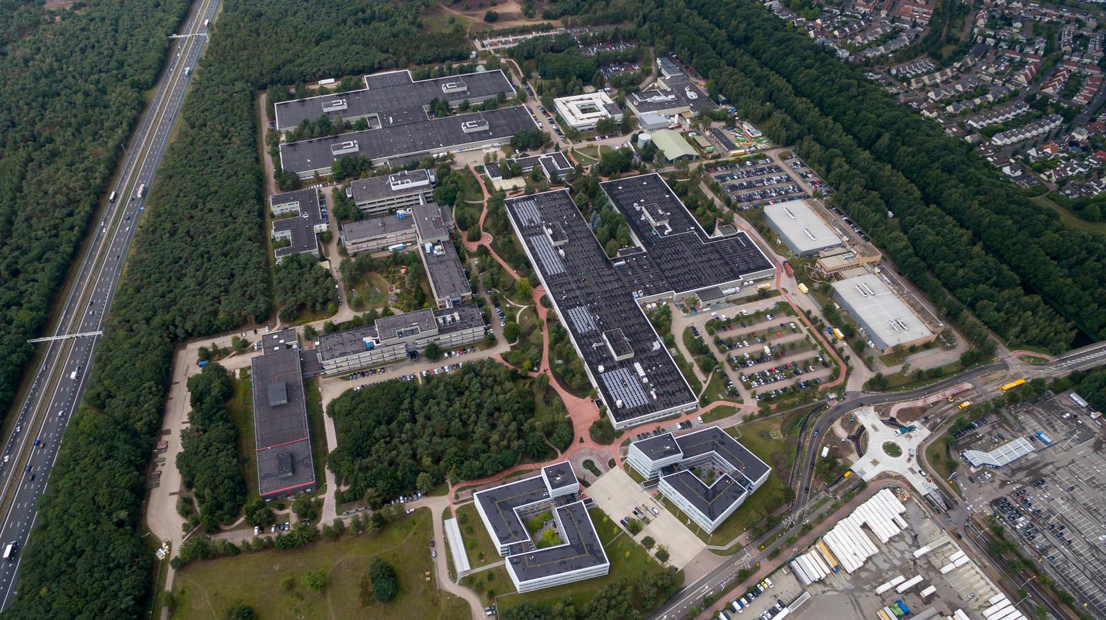 Luchtfoto van de Philips-campus in Best.