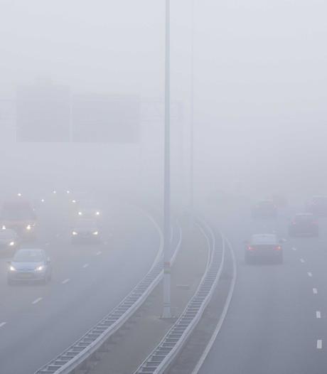 Met deze vijf tips veilig de mist in