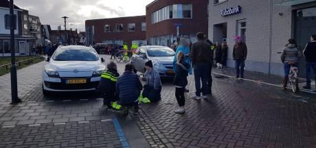 Auto rijdt kind aan vlak voor carnavalsoptocht in Kaatsheuvel