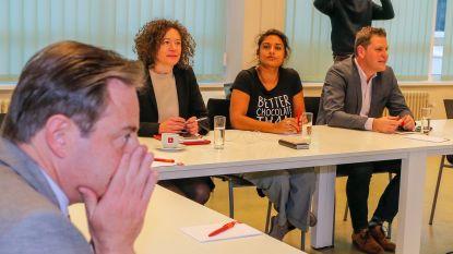 """Antwerpse coalitie met De Wever verdeelt sp.a: """"Als kameraden maar niet met broek op de enkels buitenkomen"""""""