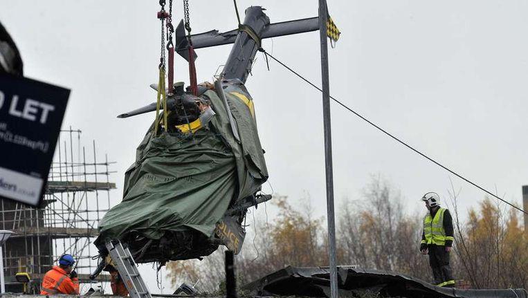 Het helikopterwrak in Glasgow werd op 2 december verwijderd. Beeld anp