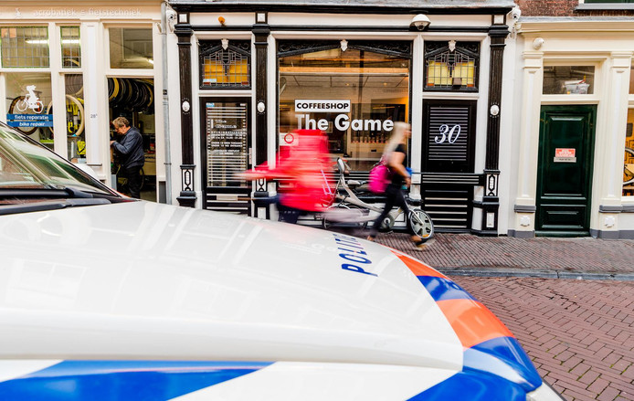 Exterieur van coffeeshop The Game aan de Breestraat in Delft