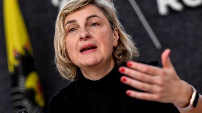 """Ook Hilde Crevits wil chassidische jood die vrouwen weigert de hand te schudden niet op CD&V-lijst: """"Dit is een probleem"""""""