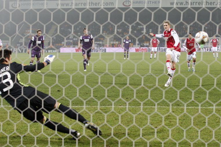 Elm knalt de strafschop feilloos binnen: 0-1. © PRO SHOTS Beeld