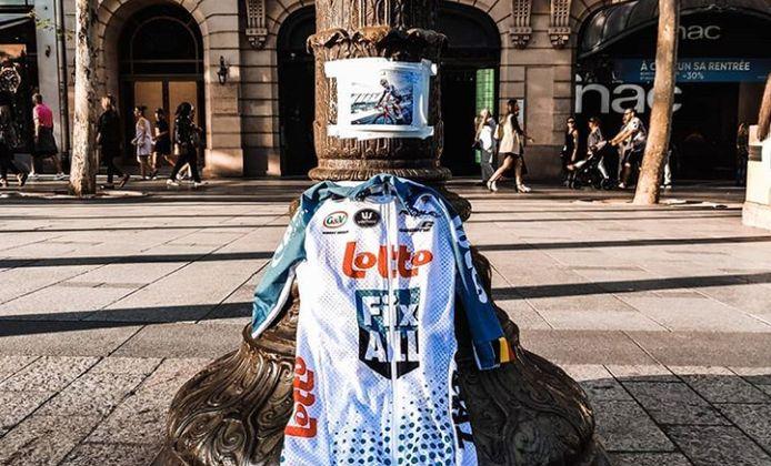 Ruben Apers bracht het shirt van Bjorg Lambrecht naar Parijs