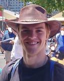 De 18-jarige Theo Hayez verdween na een bezoek aan the Cheeky Monkey's bar in Byron Bay, zo'n 160 kilometer ten zuiden van Brisbane in de deelstaat New South Wales.