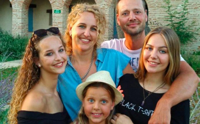 De familie Van der Linden heeft het erg naar de zin in Zuid-Frankrijk.
