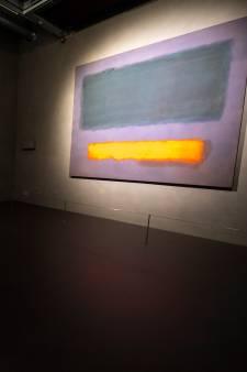In Schiedam kun je een uur privétijd  met een schilderij van Rothko reserveren