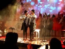 Toet'nbloazers uit Borne brengen oude optredens naar de huiskamers