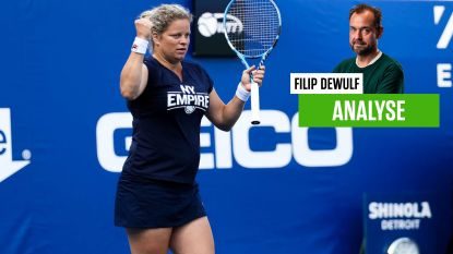 """Onze tennisexpert ziet hoe Clijsters ondanks lichte blessure tóch op de baan stond: """"Op dít moment in haar carrière is dit niet zo opportuun"""""""